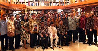 Habibie Pesan Diplomat Ikut Jaga Persatuan dan Kedepankan Kepentingan Nasional