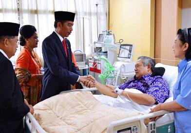 Presiden dan Wapres Jenguk SBY di RSPAD Gatot Soebroto