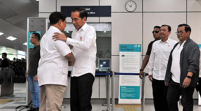Ucapkan Selamat Kepada Jokowi, Prabowo: Kami Siap Bantu untuk Kepentingan Rakyat