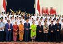 Presiden Kukuhkan 68 Anggota Paskibraka di Istana Negara