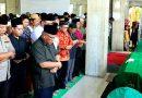 Wali Kota Pimpin Sholat Jenazah Para Korban Kecelakaan Bus Subang