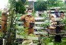 Tinjau Tananaman Hidroponik, Camat Sukmajaya Apresiasi Kerja Keras Warga RW 10 Baktijaya Depok Timur