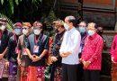 Tinjau Langsung Vaksinasi Massal, Jokowi Harap Sektor Pariwisata Bali Segera Bangkit
