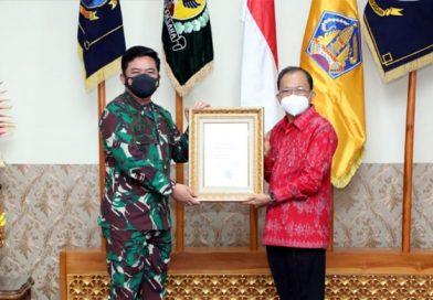 Gubernur Bali Terima Penghargaan PPKM Mikro Terbaik dari Mabes TNI